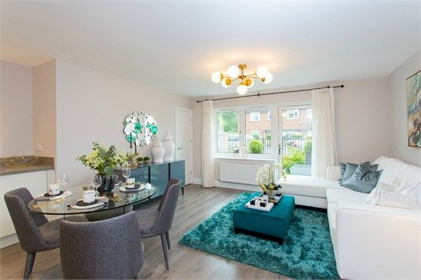 Thumbnail Flat for sale in Sutton Court Road, Hillingdon