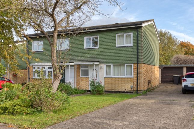 Thumbnail Semi-detached house to rent in Romany Close, Letchworth Garden City, Herts