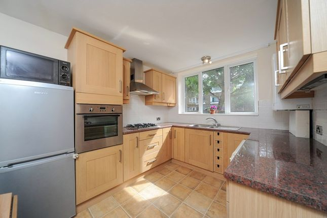 Thumbnail Maisonette to rent in Hind Grove, London