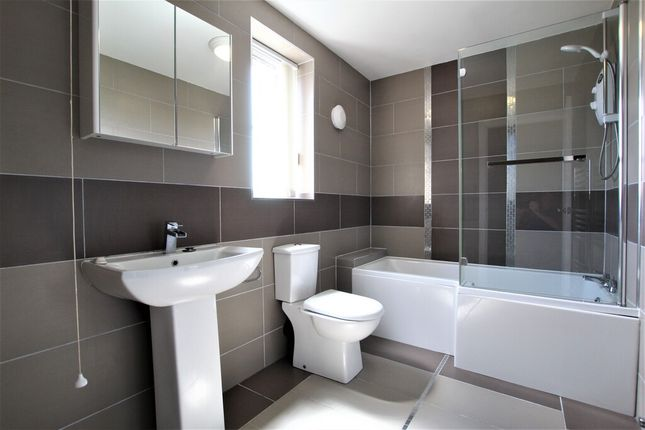 Bathroom of Colley Road, Sheffield S5