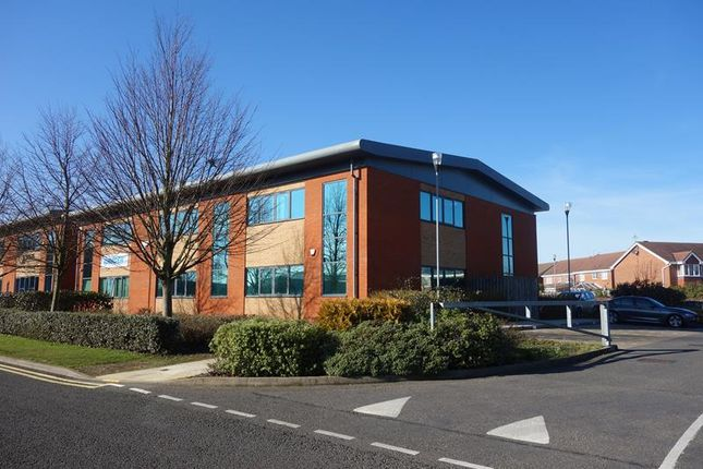 Thumbnail Office to let in Unit 3, Oak Court, Pilgrims Walk, Prologis Park, Coventry