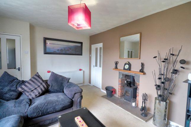 Lounge 2 of Tudor Street, Linthwaite, Huddersfield HD7