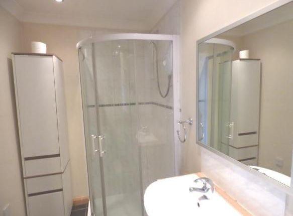 Annex Bathroom of Potovens Lane, Wakefield WF3