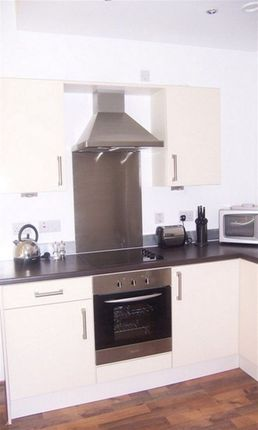 2 bed flat to rent in Green Lane, Sheffield
