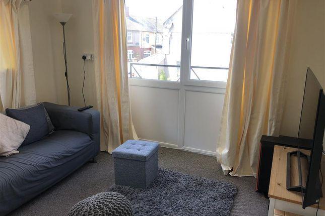 Thumbnail Flat to rent in Francis Terrace, Llanharan, Pontyclun