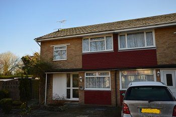 4 bed semi-detached house to rent in Almond Close, Gossops Green, Crawley, West Sussex