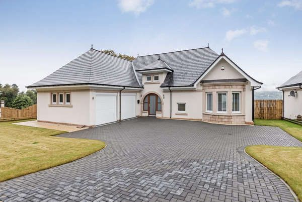 Thumbnail Detached house for sale in 11 Kings Point, Shandon, Helensburgh