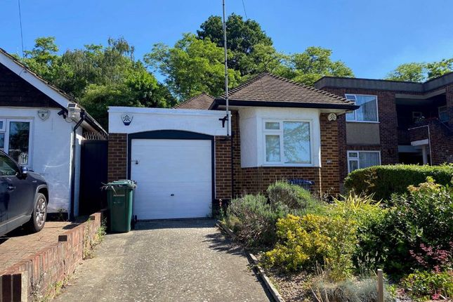 2 bed detached bungalow to rent in Abercorn Road, Mill Hill, London NW7