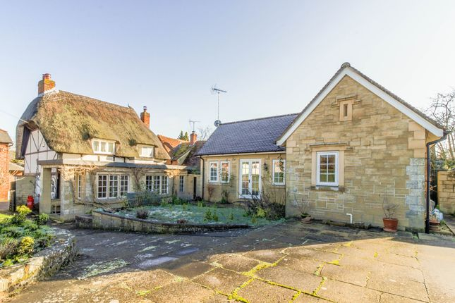 Thumbnail Cottage for sale in Broughton, Stockbridge, Hampshire