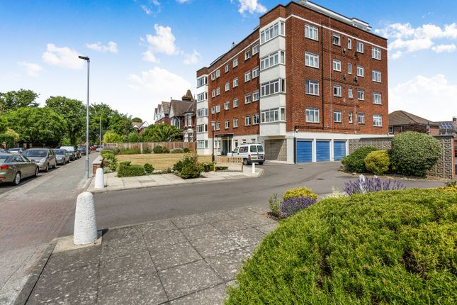 Thumbnail Flat to rent in Amersham Court, Craneswater Park, Southsea
