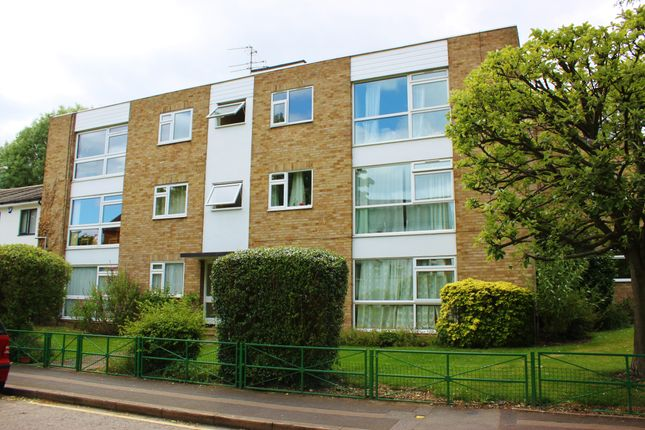Thumbnail Flat to rent in Glengall Road, Woodford Green