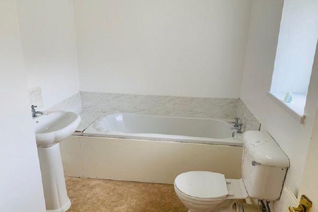 Bathroom of George Street, Maesteg, Bridgend. CF34