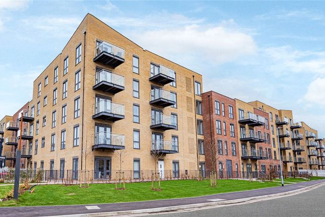 3 bed flat for sale in Lancaster House, Frogmore Road, Hemel Hempstead HP3
