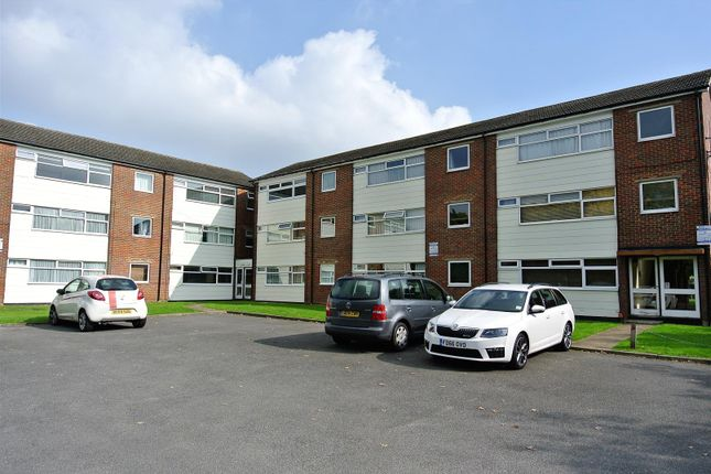 Thumbnail Flat for sale in New Court, Addlestone