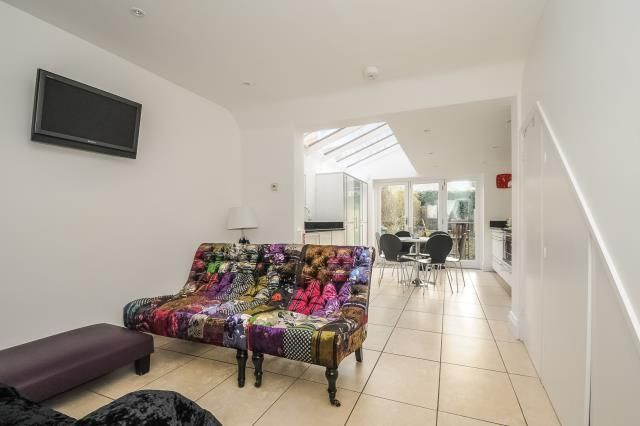Thumbnail Terraced house to rent in Circus Street, St Clements