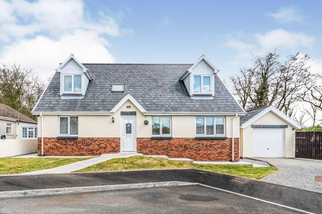 5 bed detached bungalow for sale in Uwchgwendraeth, Drefach, Llanelli SA14