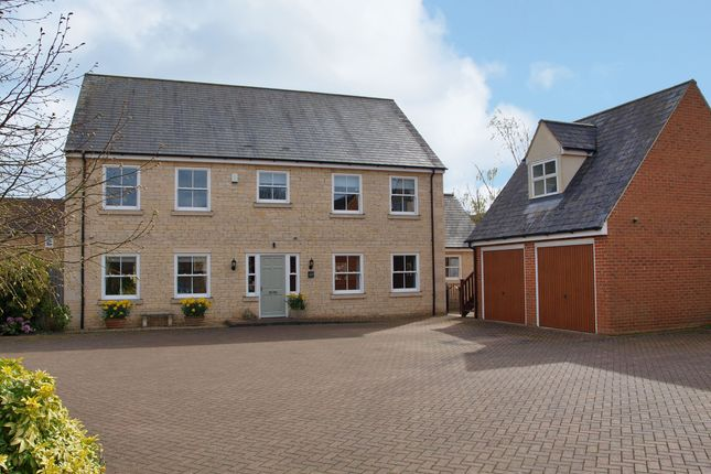 Thumbnail Detached house for sale in Towngate East, Market Deeping, Peterborough