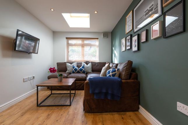 Thumbnail Shared accommodation to rent in Cranbrook Street, Cardiff
