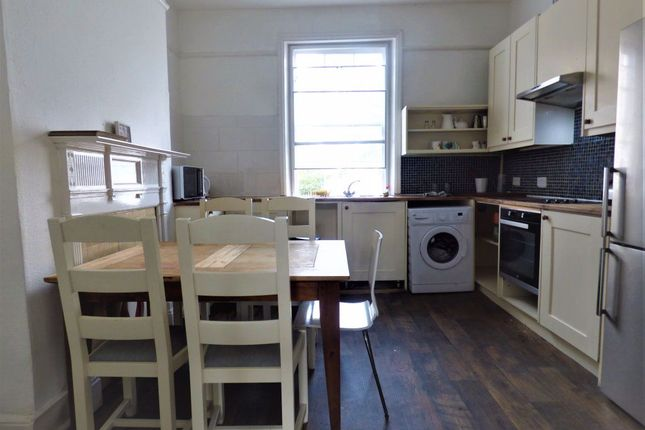 Thumbnail Flat to rent in Victoria Road, Surbiton