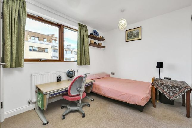 Second Bedroom of Findlay House, Trevithick Way, London E3
