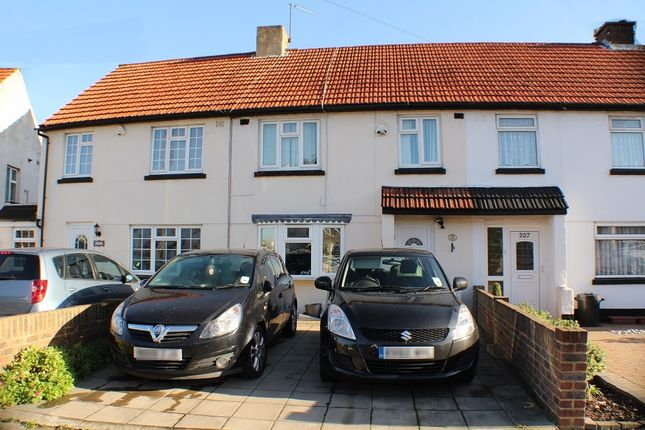 Thumbnail Terraced house to rent in Grosvenor Crescent, Hillingdon