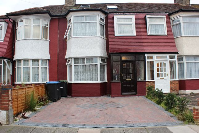 Thumbnail Terraced house for sale in Kendal Avenue, London