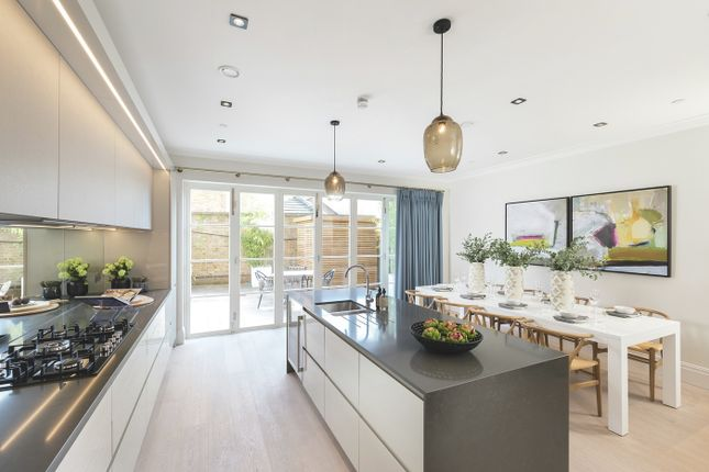 Thumbnail Town house for sale in Richmond Road, Old Isleworth