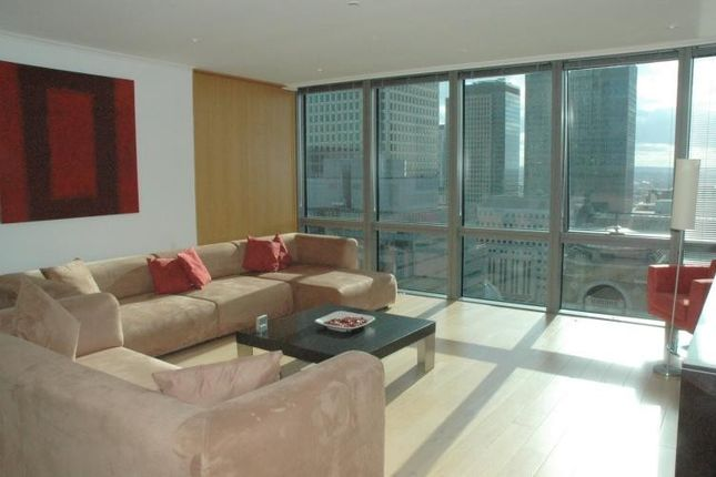 Thumbnail Flat to rent in Hertsmere Road, Canary Wharf, London
