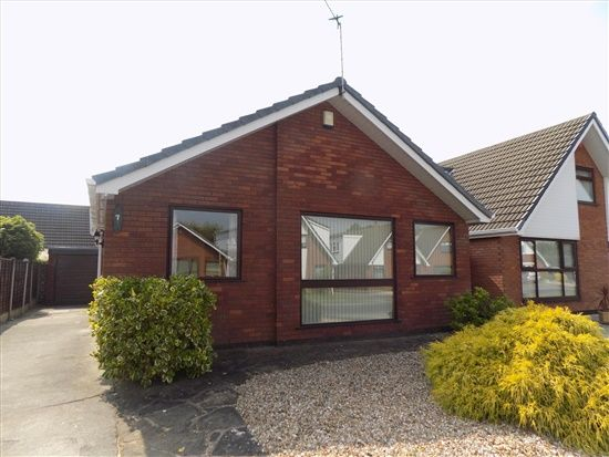 Thumbnail Bungalow to rent in Avondale Crescent, Blackpool