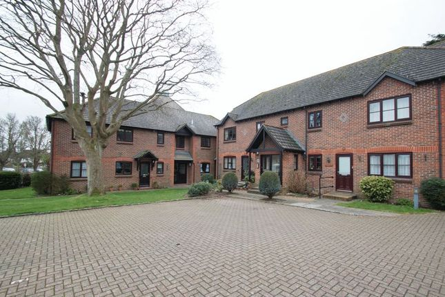 Thumbnail Flat for sale in Woodlands Lane, Chichester