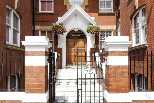 Thumbnail Flat for sale in Windsor Court, Moscow Road, London