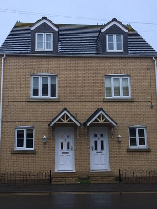 Thumbnail Semi-detached house to rent in Eastgate, Whittlesey