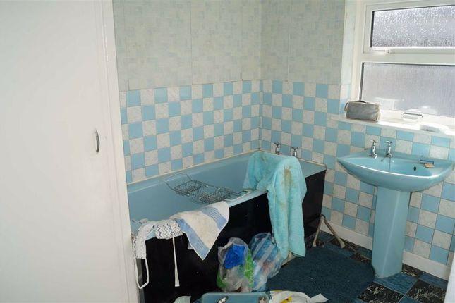 Bathroom of Arnold Street, Mountain Ash CF45