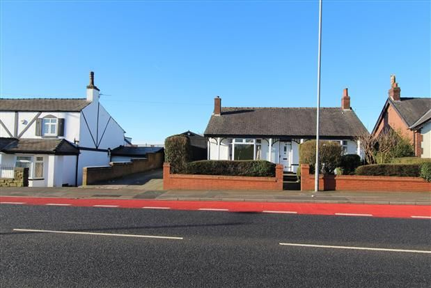Thumbnail Bungalow to rent in St Helens Road, Bolton