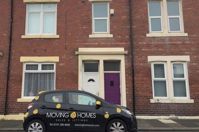 3 bed flat to rent in Waldo Street, North Shields NE29
