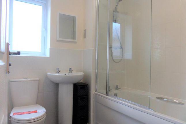 Main Bathroom of Cherry Tree Drive, Coventry CV4