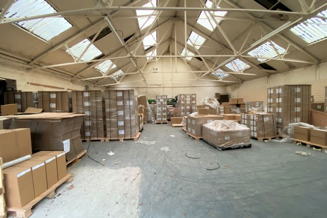 Thumbnail Warehouse to let in Cotton Tree Lane, Colne