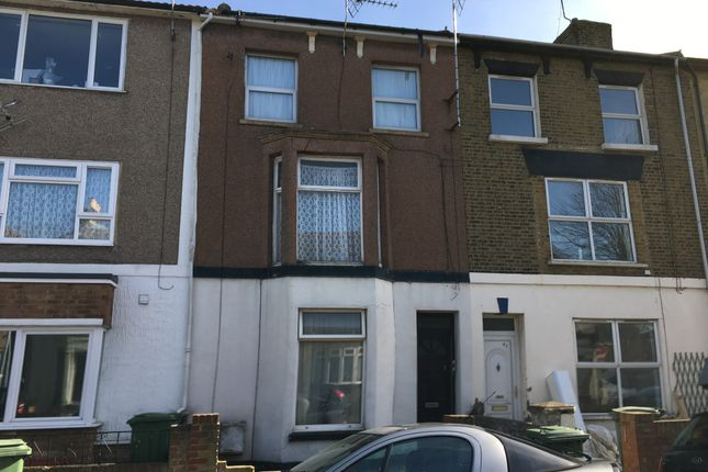 Thumbnail Flat for sale in Alma Road, Sheerness