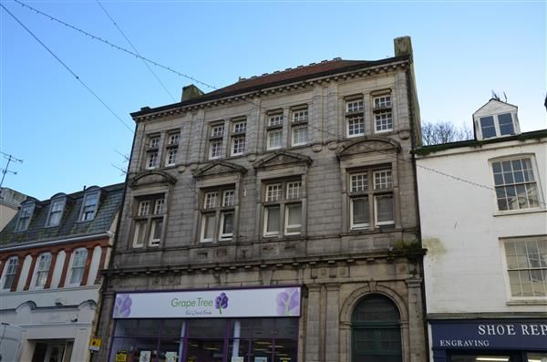 Thumbnail Flat to rent in Market Street, Falmouth