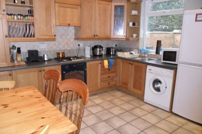 3 bed terraced house to rent in Church Avenue, Lenton, Nottingham NG7