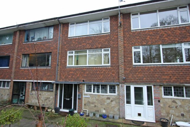 Thumbnail Flat to rent in Highgate Hill, Hawkhurst, Cranbrook