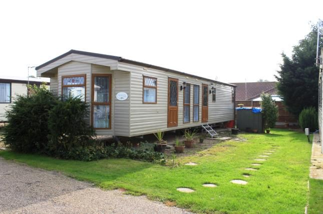 Thumbnail Mobile/park home for sale in Burgh Castle, Great Yarmouth, Norfolk