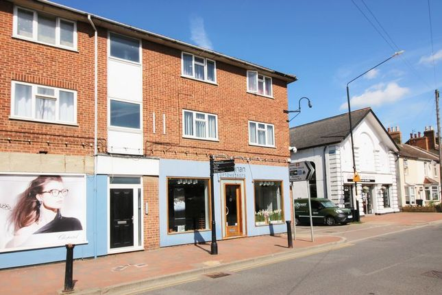 Thumbnail Flat for sale in Malling Road, Snodland