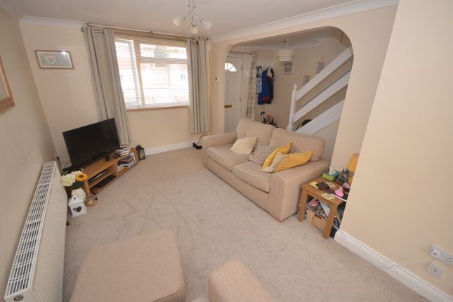 Thumbnail Terraced house for sale in Burdun Close, Witham