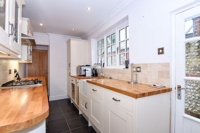 Thumbnail Terraced house to rent in Franklin Place, Chichester