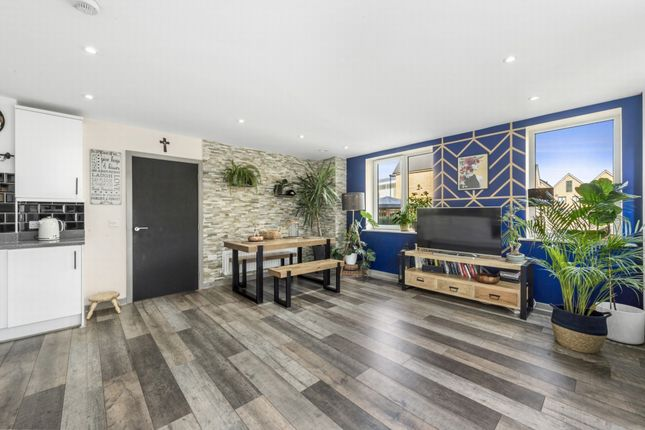 Thumbnail Flat to rent in Dock Meadow Reach, Hanwell
