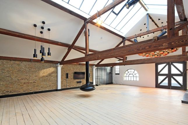Thumbnail Flat to rent in Metropolitan Wharf Building, London
