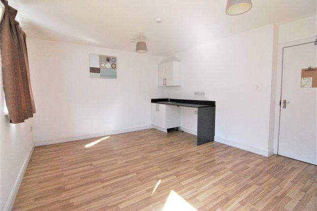 Picture No. 07 of Camborne Terrace, Camborne Avenue, Harold Hill, Romford RM3