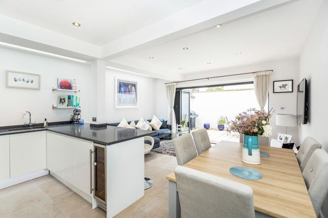 2 bed flat for sale in Tynemouth Street, London SW6