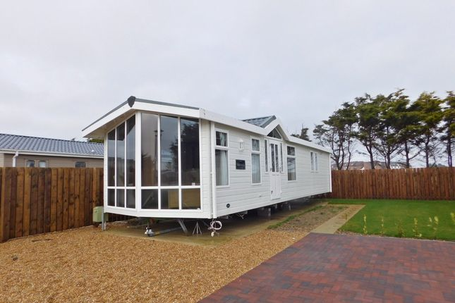 2 bed mobile/park home for sale in Southsea Leisure Park, Melville Road, Southsea